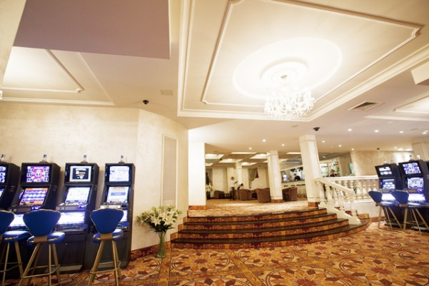 Казино оазис в минске ограбление казино смотреть в хд
