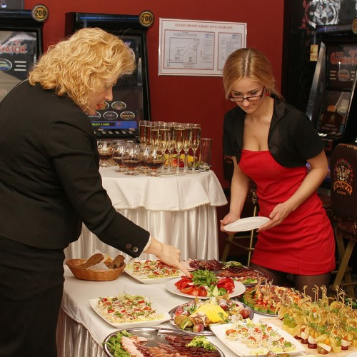 Фуршет в казино Бакара