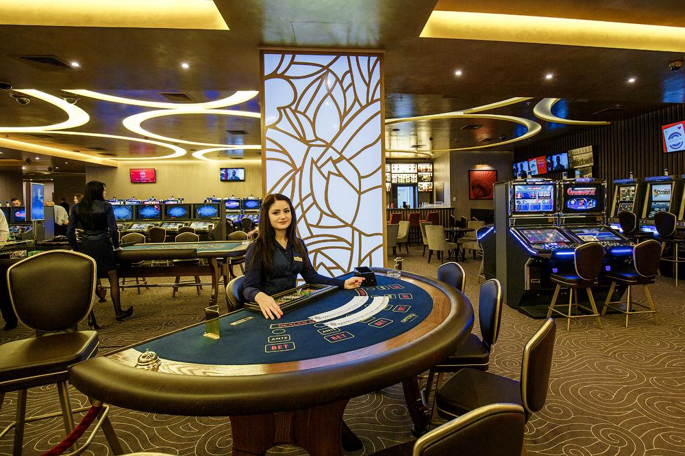 Работа в казино пекин интернет казино ставки 1 цента