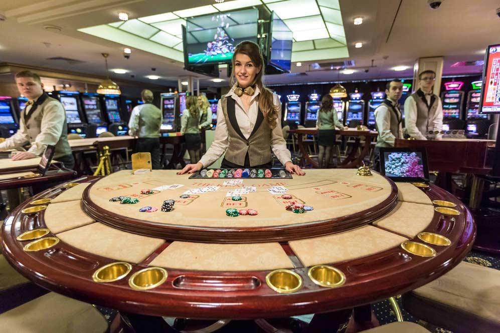 Сколько в белоруссии казино смотреть comedy club казино