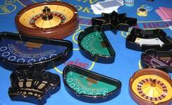Пепельницы в форме игровых столов казино производства компании Matsui