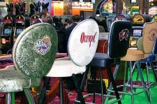 Стулья для казино на выставке игорного бизнеса.