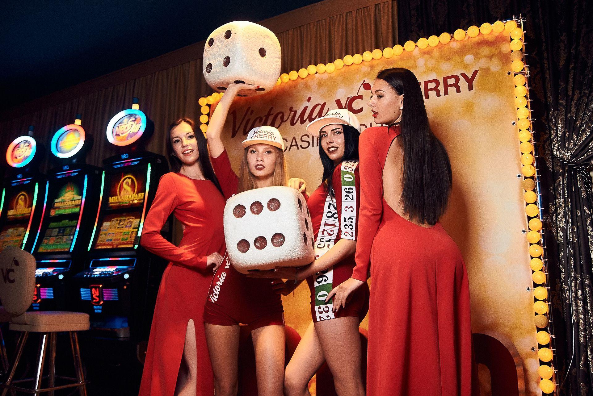 Работа в казино девушки минска как играть в покер онлайн бесплатно без регистрации на деньги